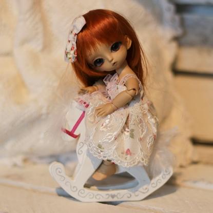 Afbeeldingen van White strawberry dress